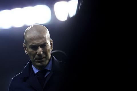 Zidane quyet bo ngoai tai nhung loi chi trich Real Madrid hinh anh
