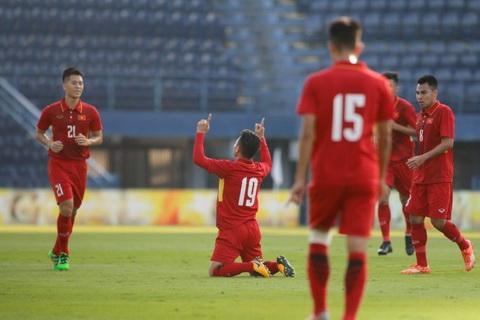 Quang Hai ghi ca 2 ban cho U23 Viet Nam tai VCK U23 chau A 2018.