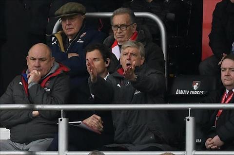 Wenger chi ra nguyen nhan Arsenal lam vao khung hoang hinh anh 2