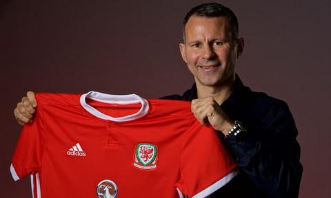 Ryan Giggs tro thanh HLV DT xu Wales.
