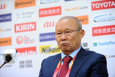 HLV Park Hang Seo khiem ton khi tra loi truyen thong Han Quoc hinh anh