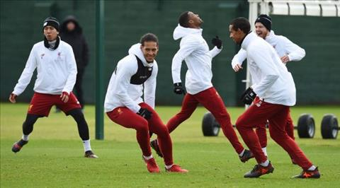 Liverpool don 3 tin vui truoc tran gap Swansea hinh anh
