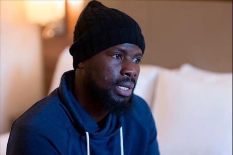 Emmanuel Eboue: Bi kich khong cua rieng ai3