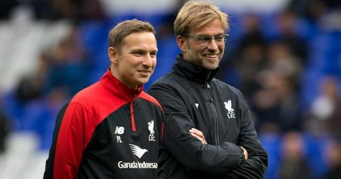 Pep Ljinders la canh tay dac luc cua Jurgen Klopp tai Liverpool.