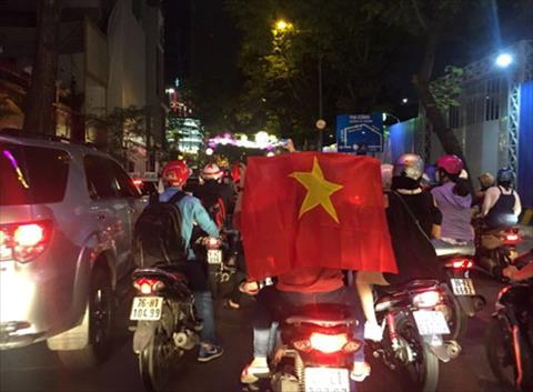 CDV dot phao sang, do ra duong an mung sau chien tich lich su cua U23 Viet Nam hinh anh 6