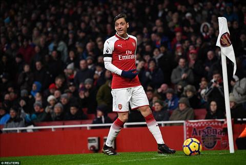 Mesut Ozil Nguoi thu linh tram lang cua Arsenal hinh anh 2