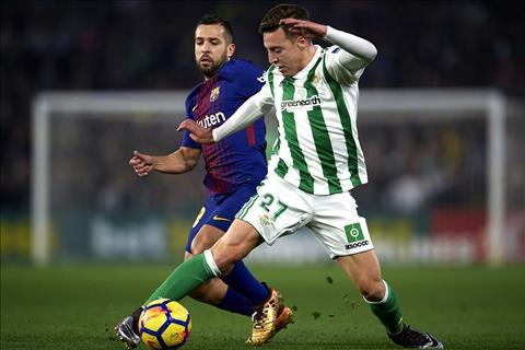 Thay gi sau man vui dap Real Betis 5-0 cua Barcelona hinh anh