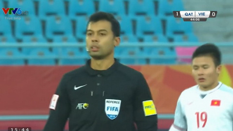 Trong tai Muhd Taqi bi chi trich sau khi thoi phat den cho U23 Viet Nam.
