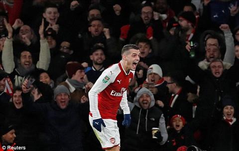 Arsenal 2-1 (2-1) Chelsea Rudiger dua Phao thu vao chung ket cup Lien doan hinh anh 4