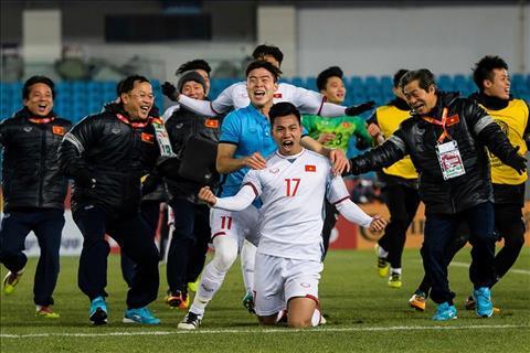 QBV Hong Son hien ke cho U23 Viet Nam dau Uzbekistan hinh anh