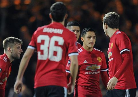 Yeovil 0-4 MU Alexis ra mat tam on, Quy do de dang vao vong 5 FA Cup hinh anh