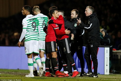 Tong hop Yeovil 0-4 MU (Vong 4 FA Cup 201718) hinh anh