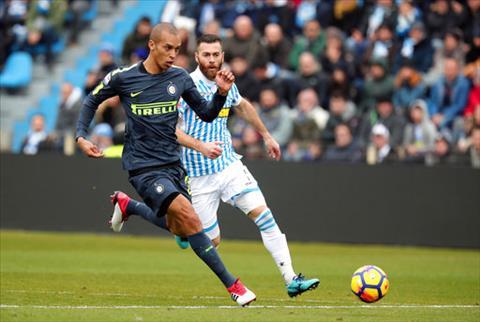 SPAL 1-1 Inter Milan Lun sau vao khung hoang hinh anh