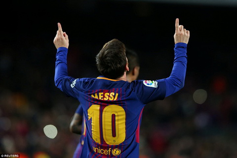 Lionel Messi khong giong nguoi thuong tren trai dat hinh anh