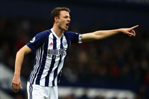 West Brom muon nhanh chong ban trung ve Jonny Evans  hinh anh