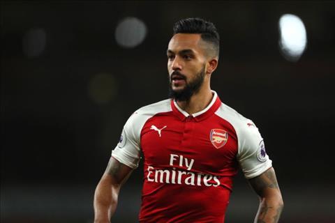 Sao Arsenal duoc 4 doi bong Premier League san don hinh anh