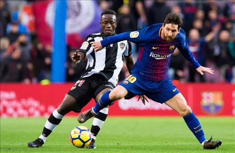 Lionel Messi vuon toi cot moc dang nho tai La Liga hinh anh