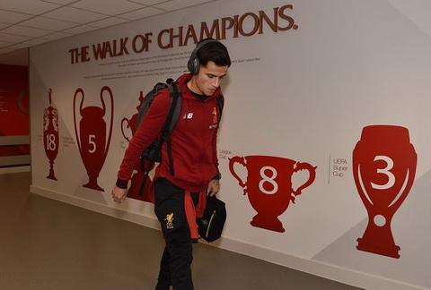 Philippe Coutinho dang duoc ton trong vi su chuyen nghiep va tan tuy voi Liverpool cho den ngay cuoi cung.