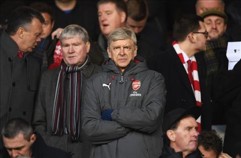 Goc Arsenal Wenger da sai khi buong bo cup FA hinh anh