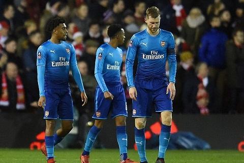 Hang thu cua Arsenal da choi qua that vong