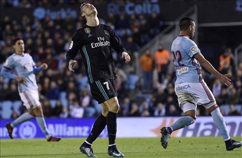Goc Real Madrid Vuc sau da o rat gan voi ho hinh anh