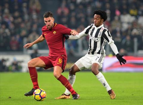 Liverpool tinh chieu mo sao Roma thay Emre Can hinh anh
