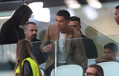 Ronaldo to ra lo lang ke tu khi cao buoc hiep dam cua Kathryn duoc phat tan. Anh: Reuters.