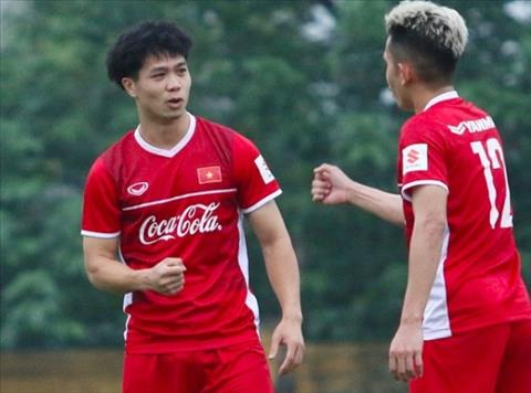 HLV Park Hang Seo hài lòng khi Công Phượng ghi bàn cho ĐT Việt Na hình ảnh