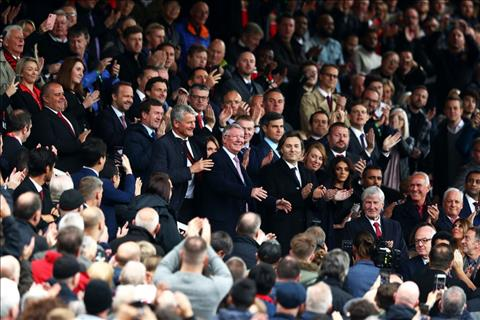 Sir Alex Ferguson tren khan dai Old Trafford