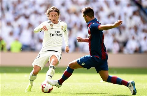 Real vs Levante Modric