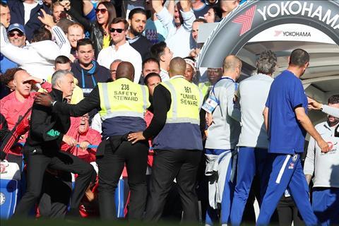 Mourinho ở trận Chelsea 2-2 MU Khi Mou đã khai quật sự đặc biệt hình ảnh