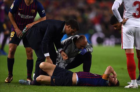 Tran Sieu kinh dien ngay 28/10 vang ca Messi va Ronaldo