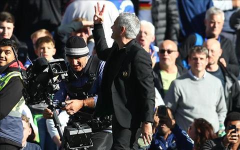 Maurizio Sarri muốn CĐV Chelsea tôn trọng Jose Mourinho hình ảnh