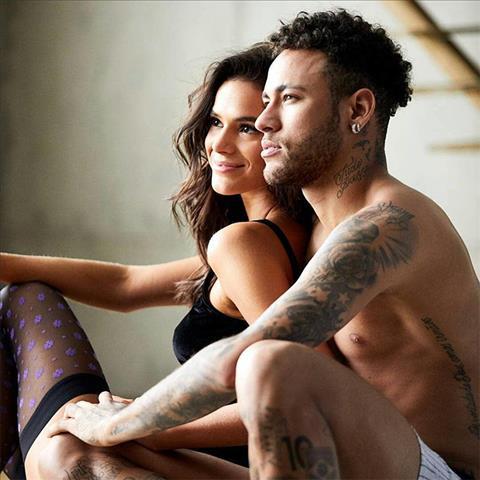Tiền đạo Neymar chia tay bạn gái Bruna Marquezine hình ảnh
