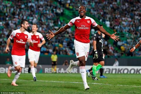Danny Welbeck tran Arsenal vs Sporting Lisbon