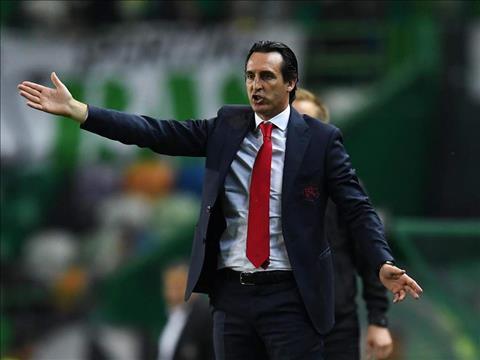 HLV Unai Emery noi ve ky luc thang lien tiep cua Arsenal.