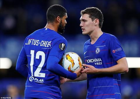 Loftus Cheek va Andreas Christensen deu la nhung vi du sinh dong ve cac tai nang tre truong thanh tu lo dao tao Chelsea.