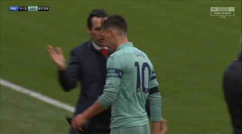 Mesut Ozil nói về những chỉ trích hình ảnh
