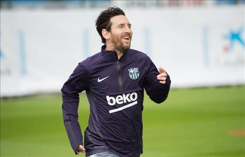 Messi tro lai tap luyen