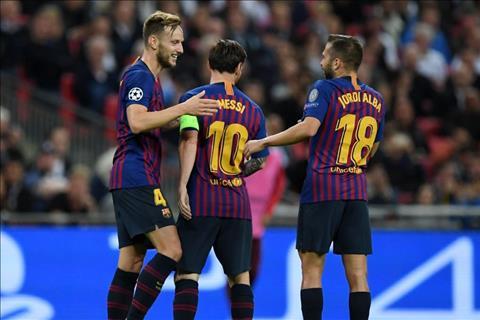 Messi ghi ban cho Barca