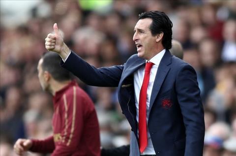 HLV Emery của Arsenal nảy sinh bất đồng với các CĐV Pháo Thủ hình ảnh