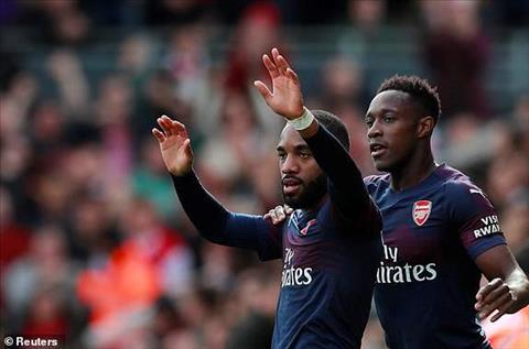 Lacazette giup Arsenal vuot len