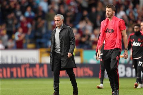 Michael Carrick nói về việc thay thế Jose Mourinho tại Man United hình ảnh