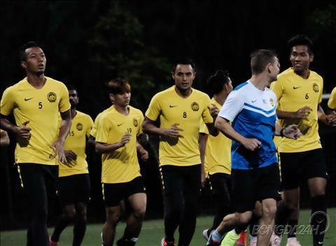 Các cầu thủ Malaysia có buổi tập đầu tiên tại Việt Nam hình ảnh