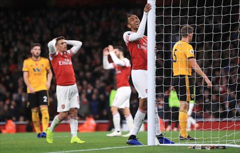 Granit Xhaka liên tục mắc sai lầm Arsenal cần người thay thế hình ảnh