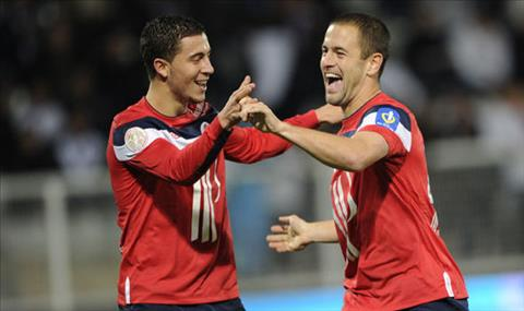 Hazard tri an Joe Cole cua Chelsea