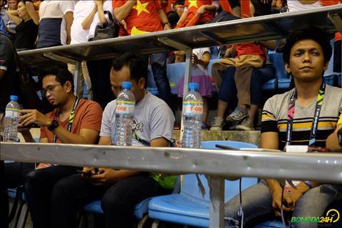 Phóng viên Malaysia bất lực nhìn ĐT bị Việt Nam hạ gục hình ảnh