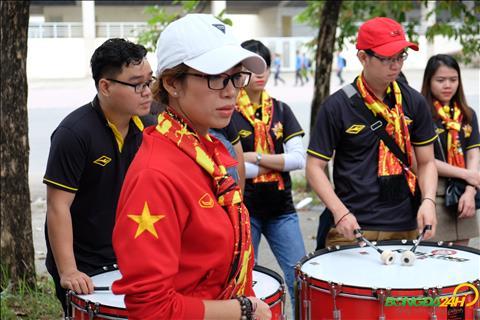 Chi Hoang Yen rat tam huyet voi DT Viet Nam