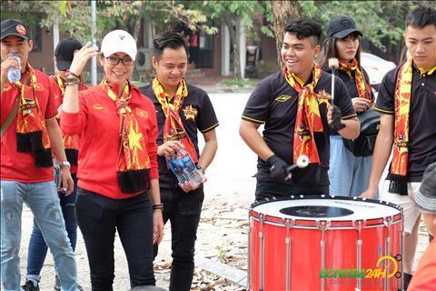 Chi Yen huong dan cac hoi vien tap trong