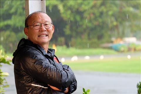 HLV Park Hang Seo trả lời phỏng vấn cực đáng yêu với AFF hình ảnh